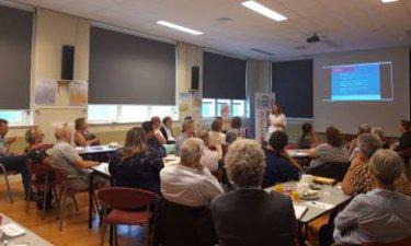 Deelnemers bijeenkomst over bewonersinitiatieven