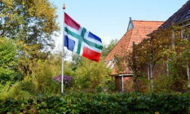 Huis met Groningse vlag