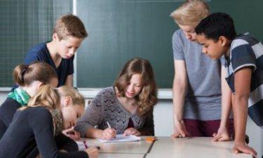 leerlingen vo met lerares