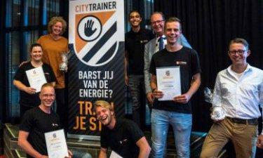 Trotse Citytrainers van Jong Hoogeveen met een certificaat