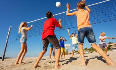 jongeren met zomeractiviteiten